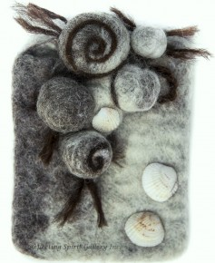 Felt Pouch With Shells